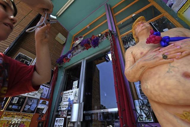 Donald Trump – mal fünf und immer nackt