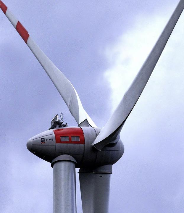Die Gesamthöhe des neuen Windrades beträgt 207 Meter.    Foto: Heidi Foessel