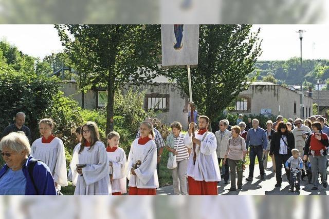Kräuterweihe und Prozession zur Hecklinger Burg
