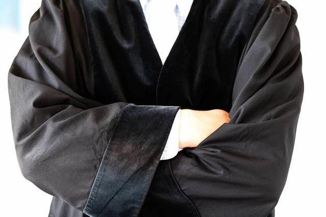 Bedrohte Familie in Weil: Verbot der Annäherung bleibt