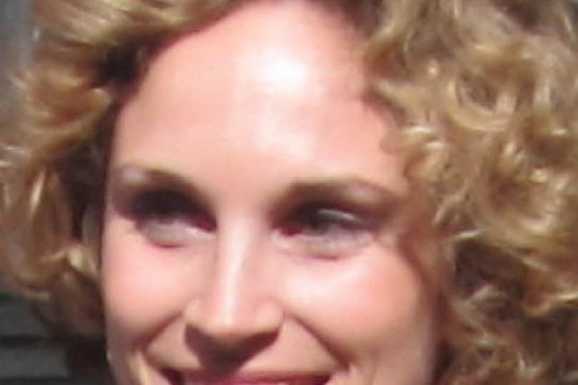 Rebecca Schnell