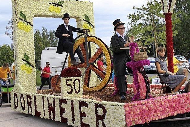 Rädern auf dem Blumenwagen