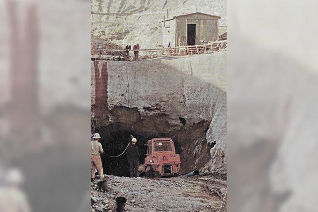 Tonnen von Gestein für ein Becken