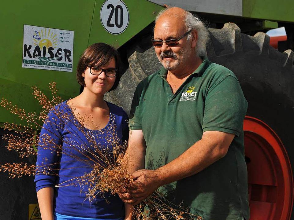 Wilfried Kaiser  und Juniorchefin Johanna sind zufrieden mit dem Ernteergebnis.  | Foto: Wolfgang Scheu