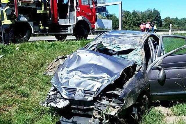 Schwerer Verkehrsunfall auf der A5 zwischen Dreieck Neuenburg und Müllheim/Neuenburg