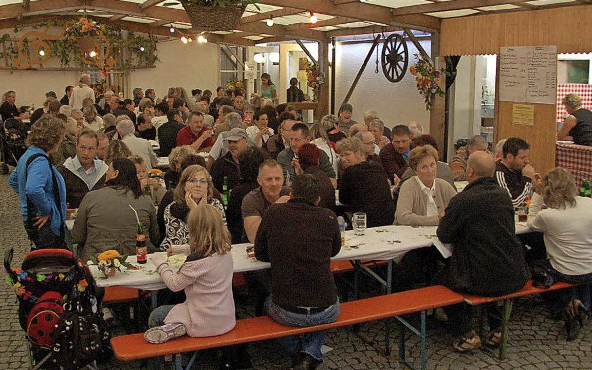 Gewohntes Bild: Beim Schallbacher Zeec...nd  die Bankreihen stets gut besetzt.     Foto: Frey