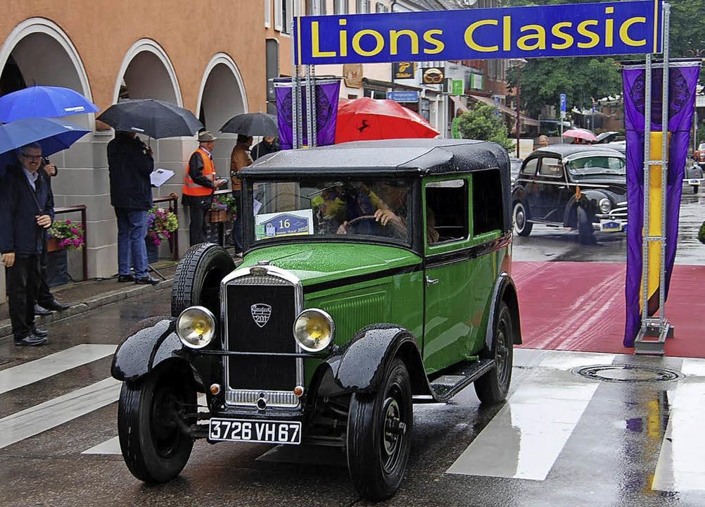 Die  Lions Classic bringt  immer wieder seltene Autos nach Breisach.     Foto: Archiv: Hans-Jochen Voigt