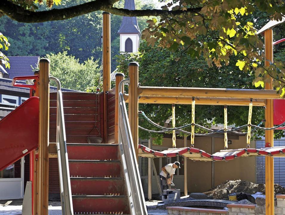 Im Außenbereich des Kindergartens in d...erstraße wird derzeit noch gearbeitet.  | Foto: Susanne Gilg