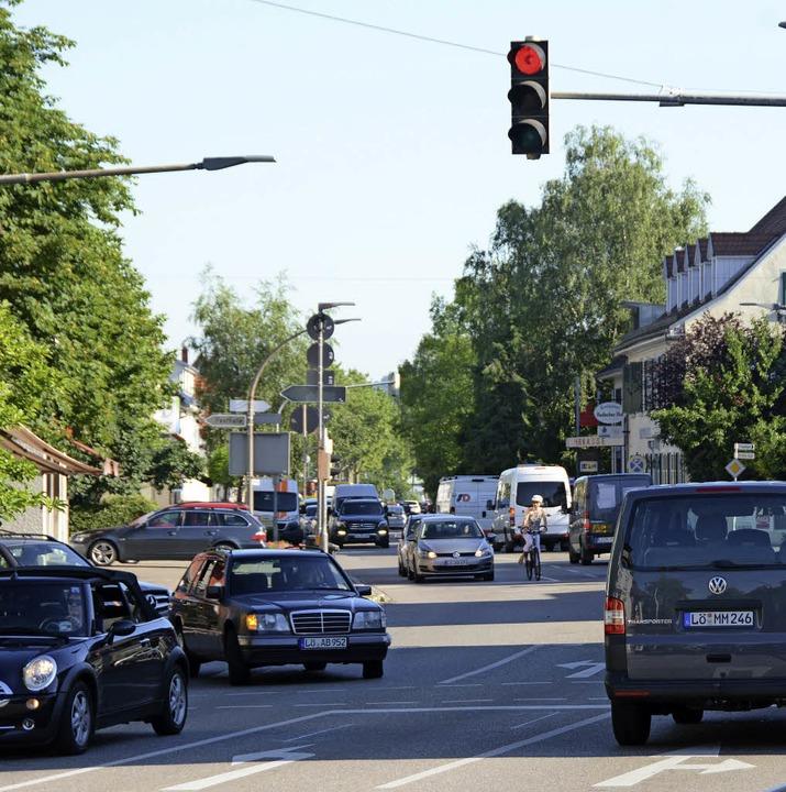 Nur noch mit Tempo 30 geht's künftig durch Haltingen.   | Foto: LAUBER