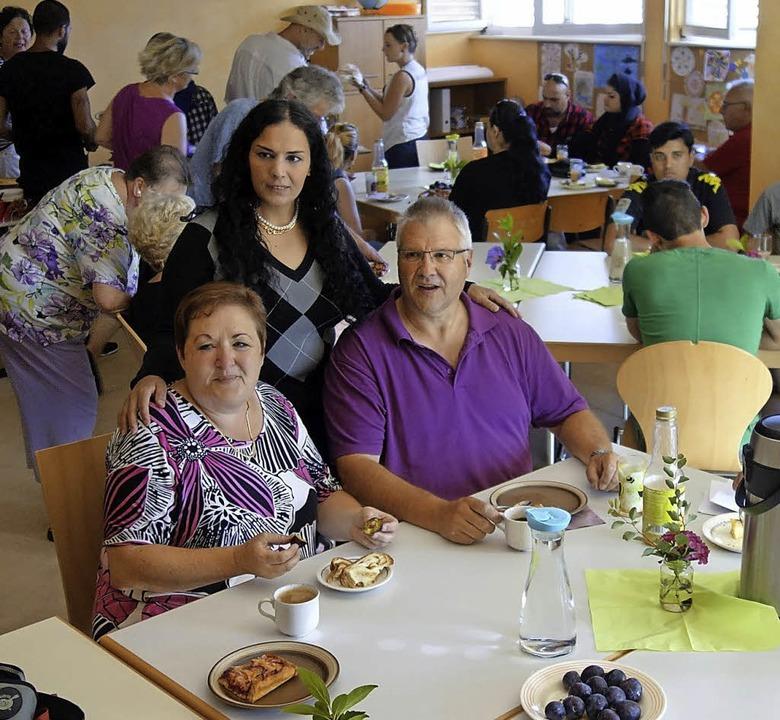 Das dritte Café des Helferkreises fand...att und hat viele Besucher angezogen.   | Foto: Verena Pichler/Privat