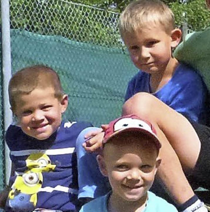 Beim Nachmittag am Spielhaus  hatten v...h (von links) Lean, Jonas und  Armin.   | Foto: Sigrid Schneider