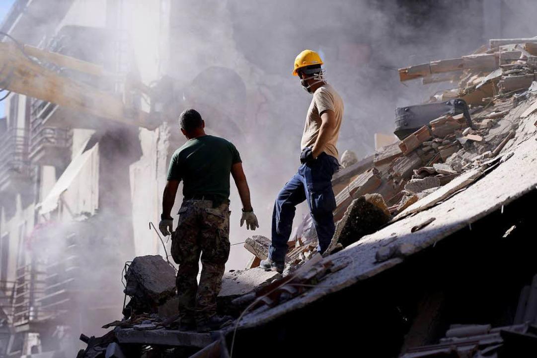 Die Bergregion Mittelitaliens ist von ...altig, die Zahl der Todesopfer steigt.  | Foto: AFP