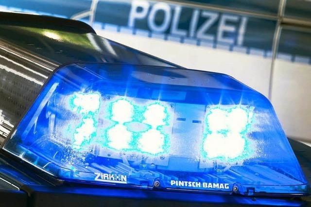 Betrunkene 80-Jährige rammt Polizeiauto