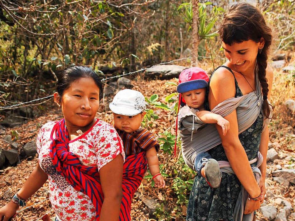 Gwen Weisser mit Sohn Bruno in Guatemala  | Foto: Patrick Allgaier