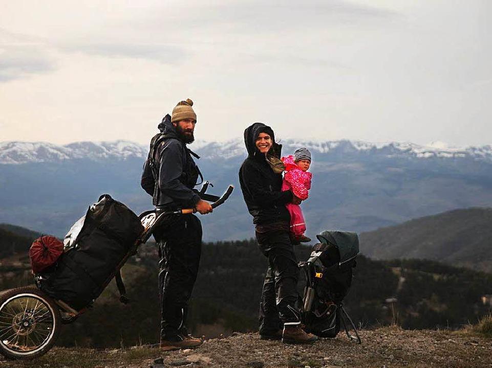 Patrick Allgaier, Gwen Weisser und Soh...eimweg auf 1900 Metern in den Pyrenäen  | Foto: Patrick Allgaier