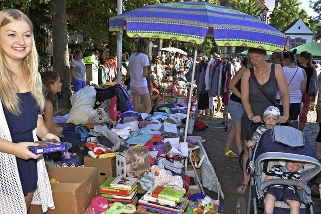 200 Anbieter boten beim Kinderspielzeug-Flohmarkt ihre alten Schätze an