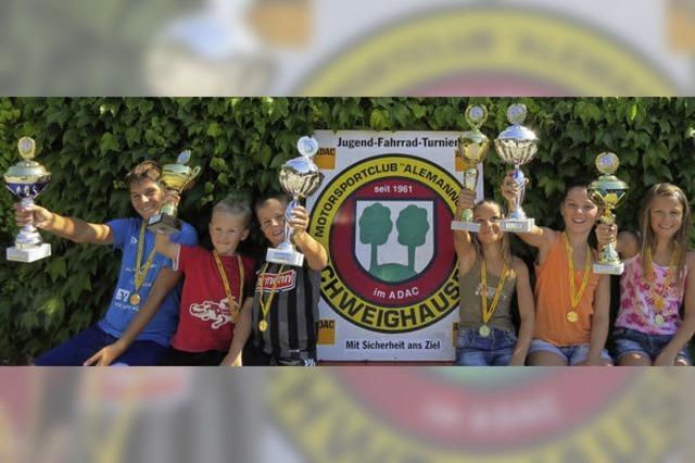 Strahlende Sieger beim Jugend-Fahrradturnier
