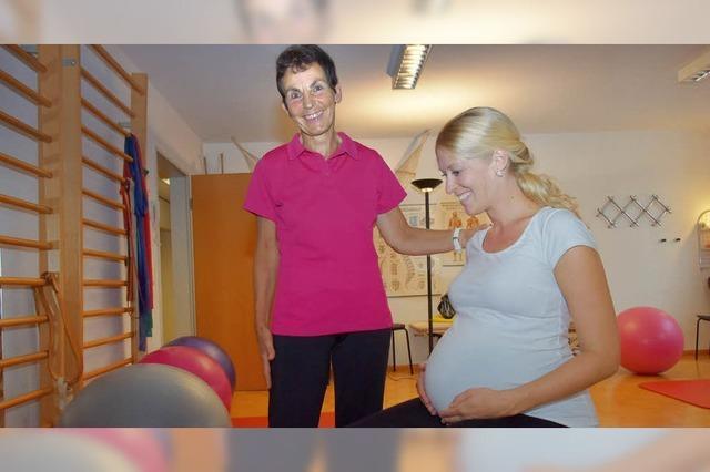 Seit 35 Jahren hilft die Gundelfinger Hebamme Claudia Schmid Babys auf die Welt