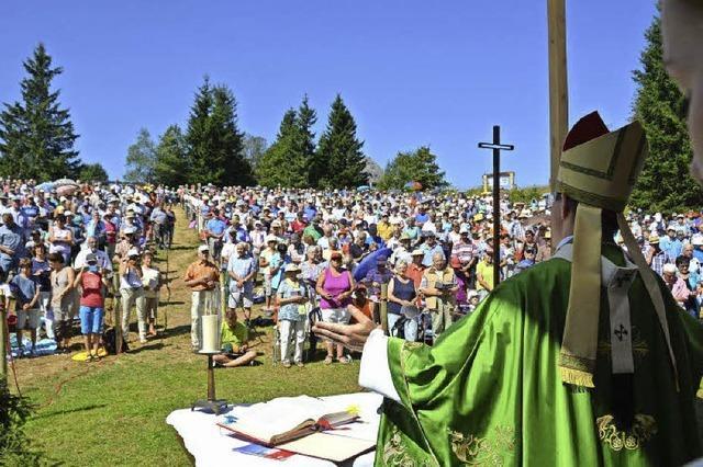 1200 Menschen feierten mit Erzbischof Burger Gottesdienst auf dem Kandel
