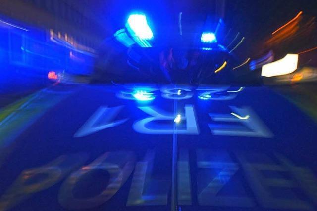 Kennzeichen geklaut, Fahrer betrunken, Straßensperre ignoriert – Verfolgungsjagd durch Freiburg
