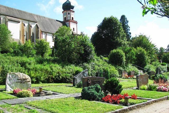 Warum auf dem Münstertäler Friedhof jede zweite Grabstelle frei ist
