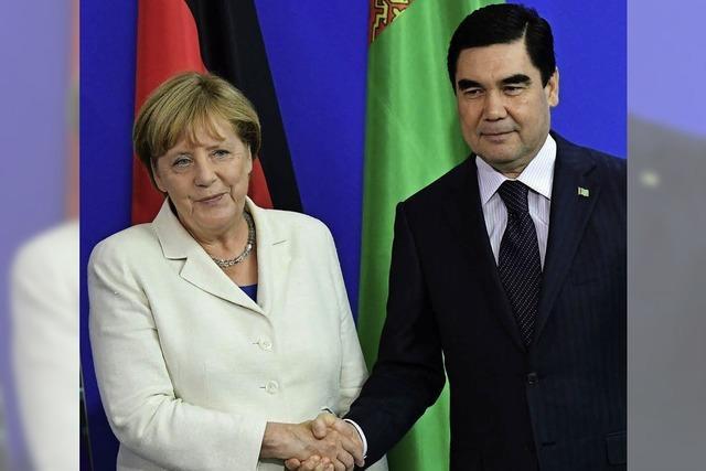 CDU stellt sich hinter Merkel, CSU schweigt