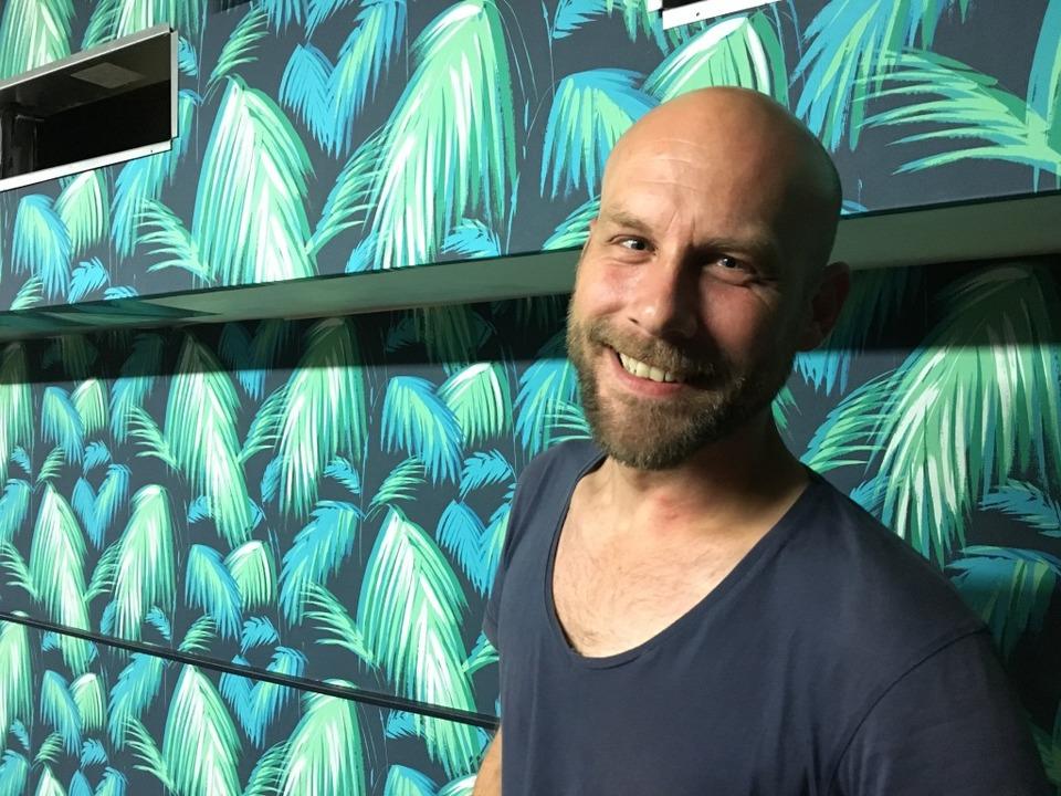 Barkeeper Boris Gröner wird Euch  einige Tricks in Sachen Cocktailmixen zeigen.  | Foto: Carolin Buchheim