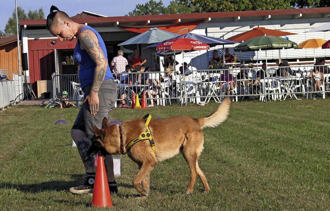 Wie ein blinder Hund geführt werden ka...euen Hundesportanlage in Eichstetten.   | Foto: gustav rinklin