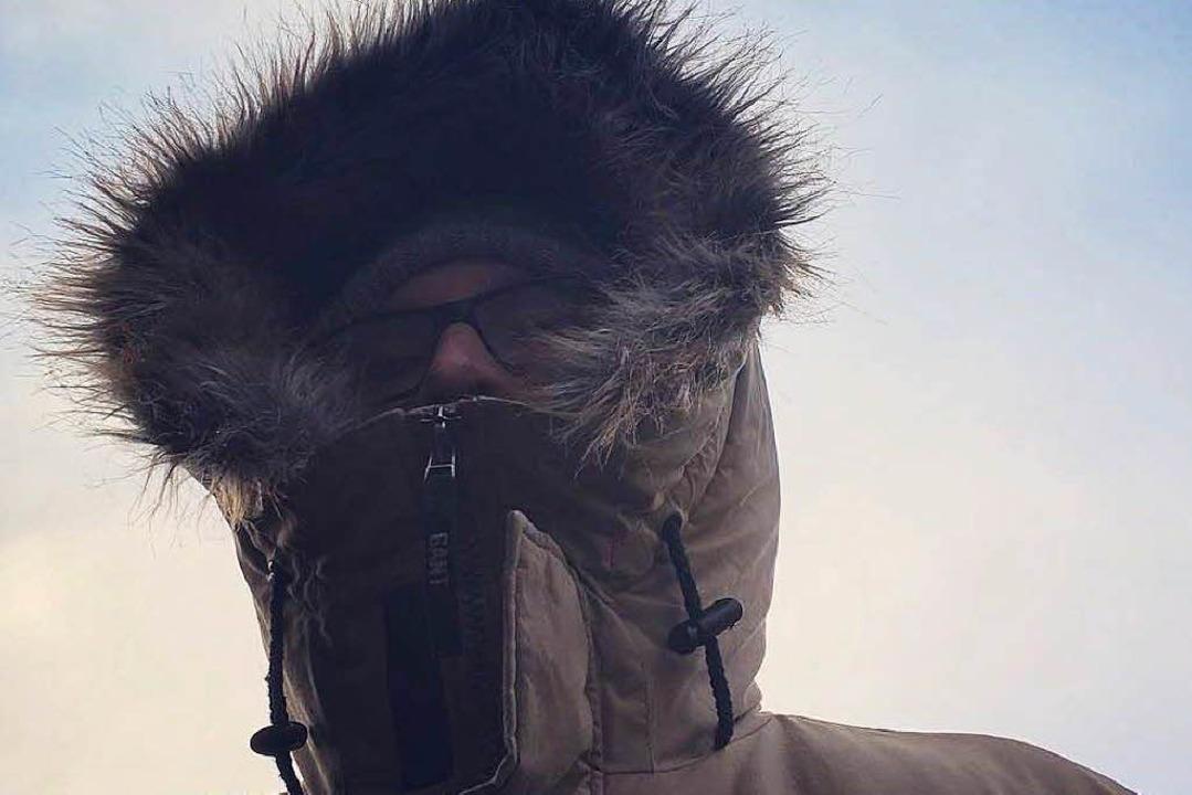 Bernhard freut sich schon auf seine warme Jacke mit Fellkapuze.  | Foto: Carolin Buchheim