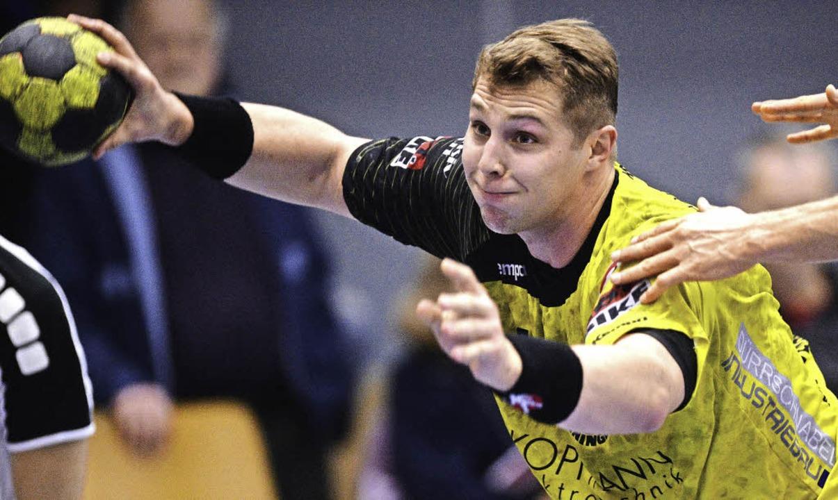 Einer der Führungsspieler bei der SG K...-Teningen: Mittelmann  Pascal  Bührer   | Foto: Patrick Seeger
