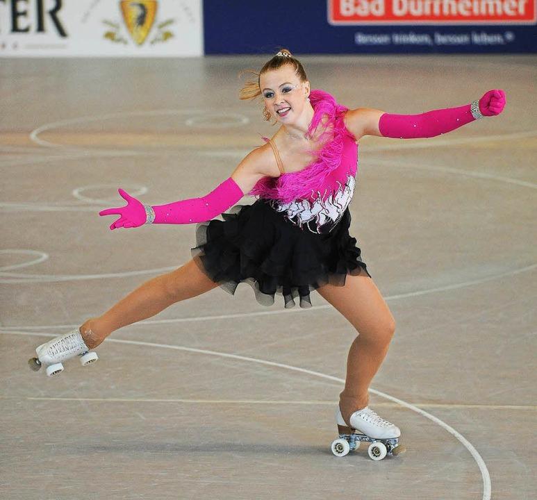 Athletische Sprünge und künstlerische ... ist Annika Gielnik bei ihrer Kurzkür.  | Foto: Achim Keller