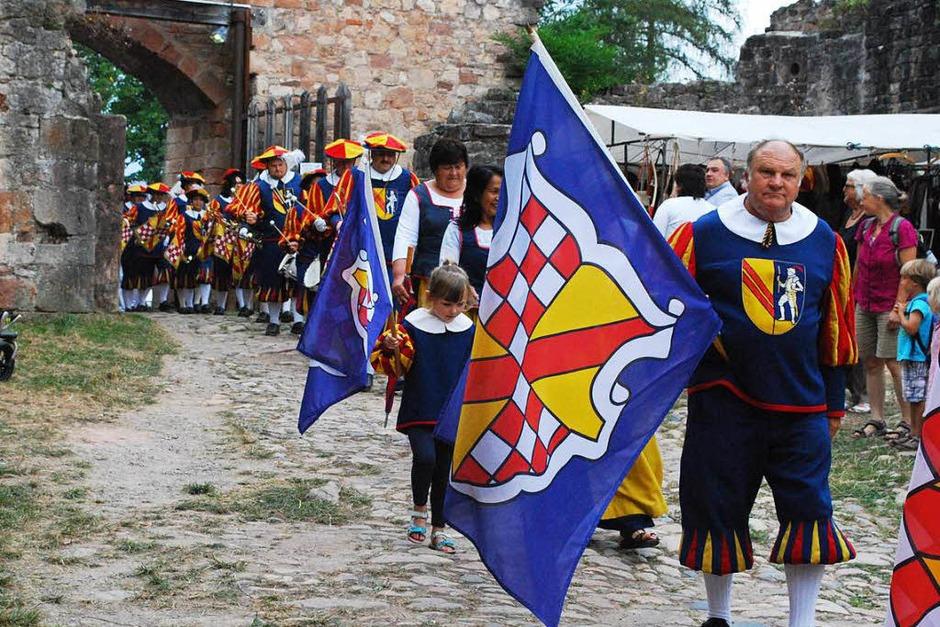 Traditionell eröffnen die Hachberger Herolde das Fest. (Foto: Sylvia-Karina  Jahn)