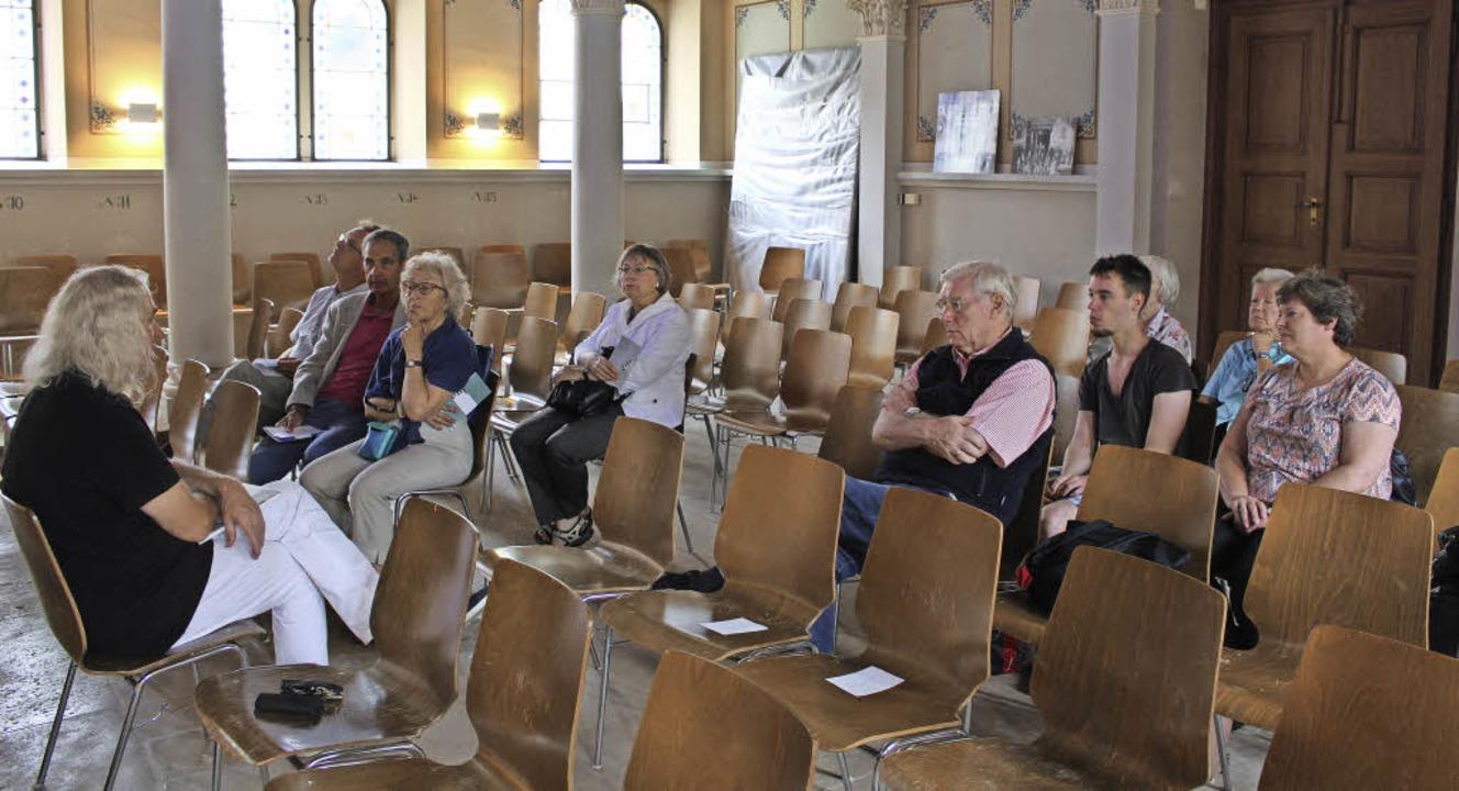 Interessantes und Wissenswertes zum Ju...sspietsch in der ehemaligen Synagoge.   | Foto: Ingeborg Grziwa