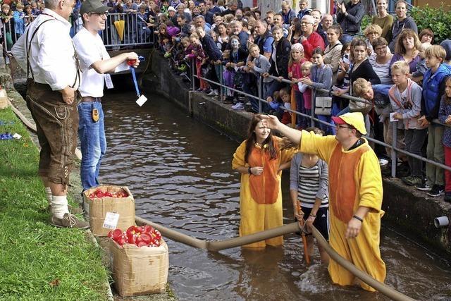 Entenrennen, Güggel und ganz viel Tradition