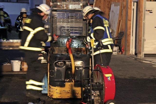 Feuerwehren löschen mehrere Fahrzeugbrände