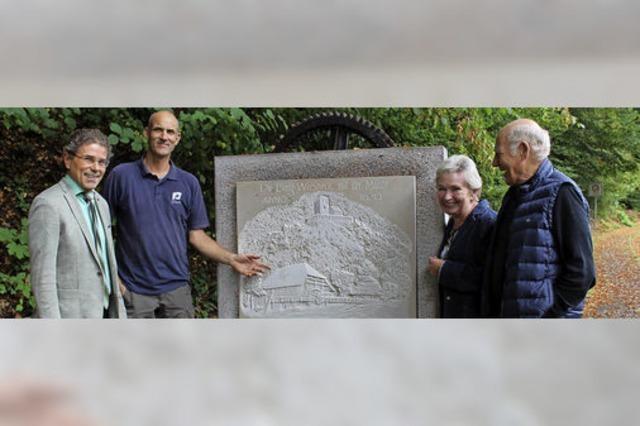 Relief erinnert an die Mühle
