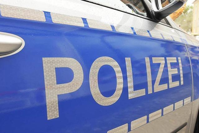 Polizei ermittelt 24-Jährige, die auf sehbehinderte Frau einprügelte