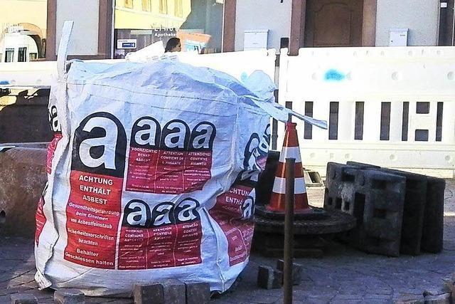 Asbestsack auf Marienplatz-Baustelle sorgt für Irritationen