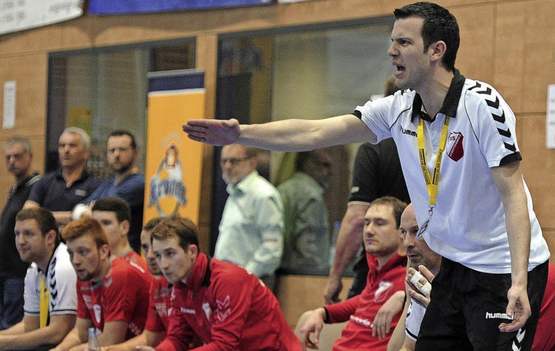 Simon Herrmann (TuS Schutterwald) zeigt Respekt vor dem Gegner.     Foto:  B. Schaller