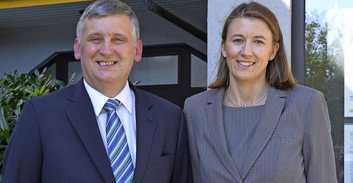 Wolfgang Streicher gibt die Filialleitung an Diana Rogalski ab.  | Foto: Vogt