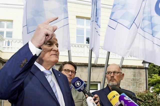 Seehofer dementiert einen Bericht, wonach er Merkel vom CSU-Parteitag auslädt