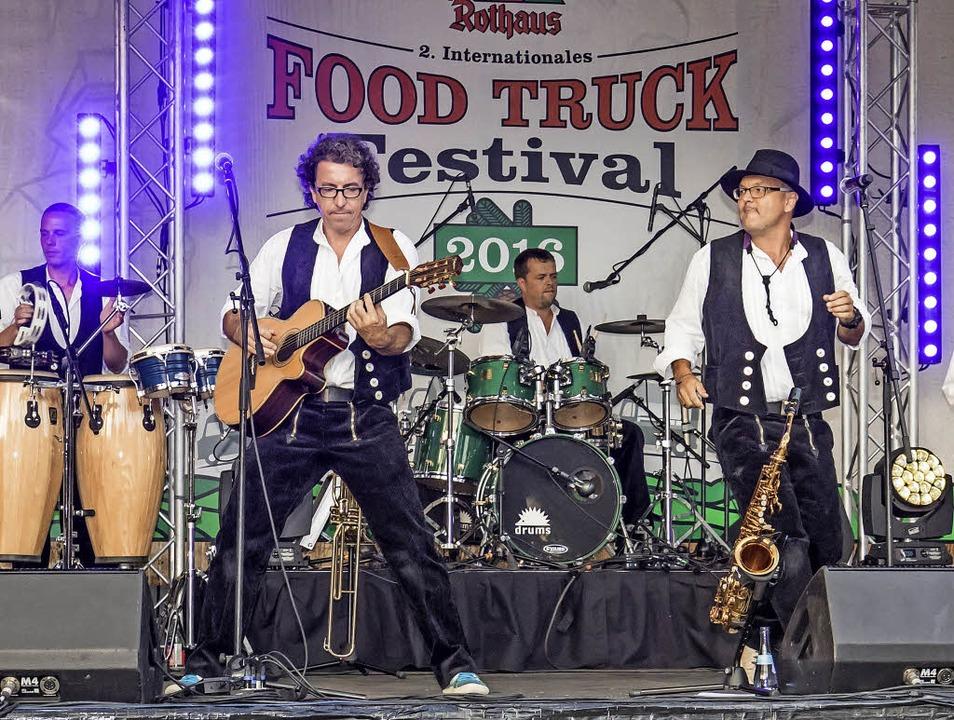 Beim Food Truck Festival in Rothaus wa...f, die für prächtige Stimmung sorgten.  | Foto: Christiane Seifried