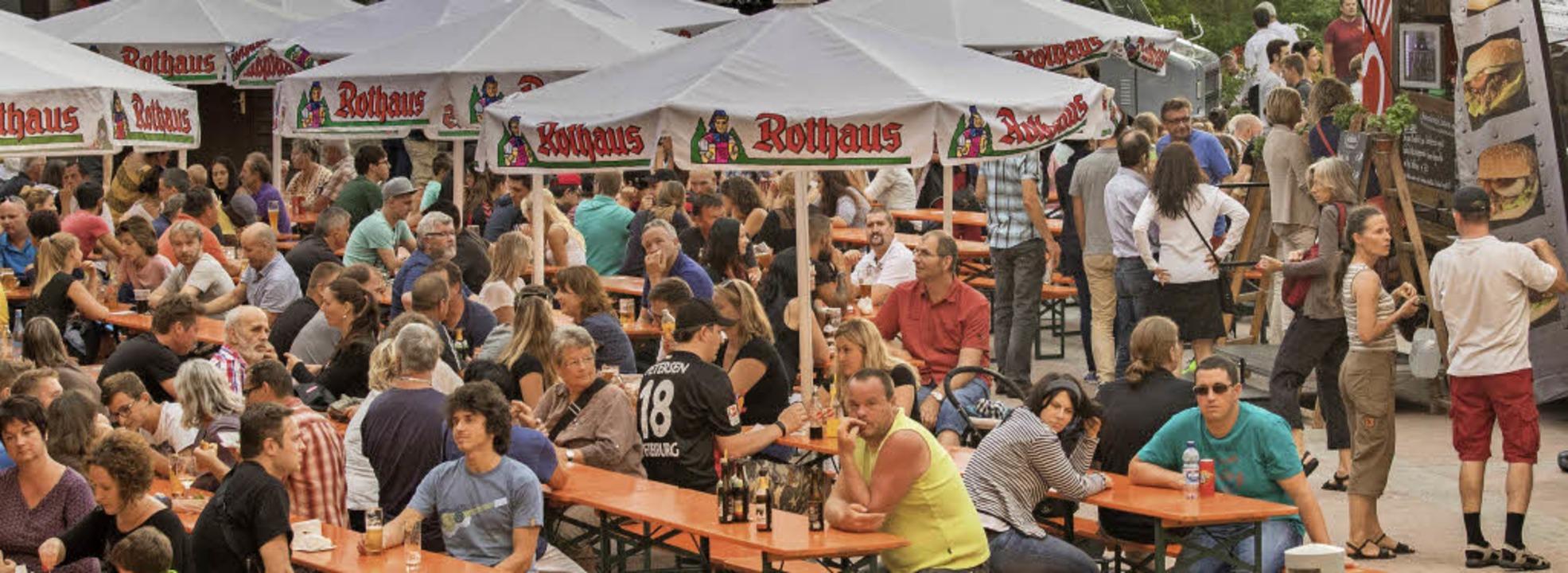 Groß war der Andrang der  Besucher bei...onalen Food Truck Festival in Rothaus.  | Foto: Christiane Seifried