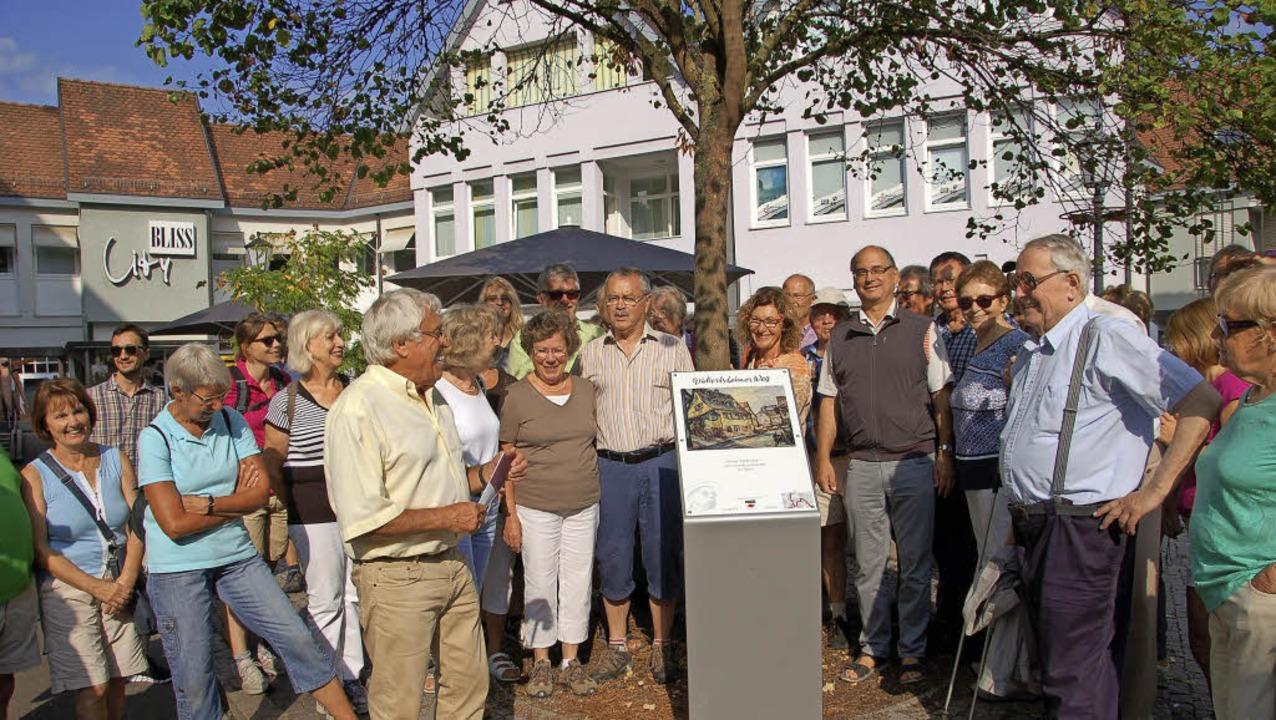 Eberhard Stulz war der sachkundige Führer über den  Wickertsheimer Weg.  | Foto: WOLFGANG BECK