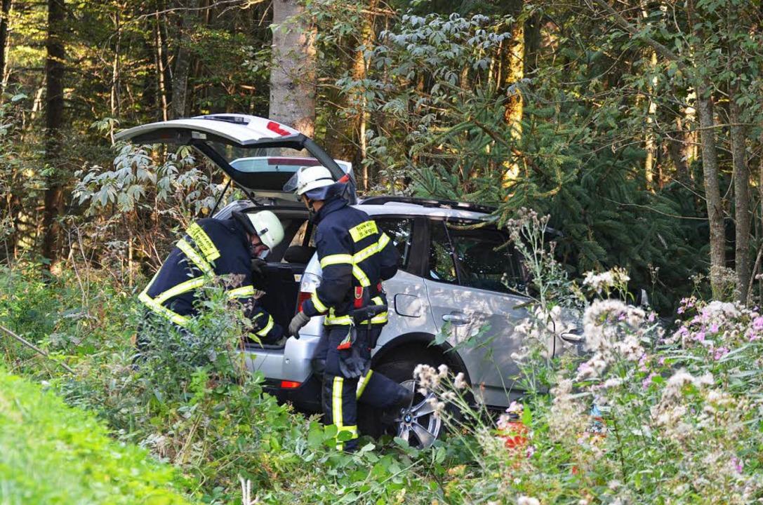 Unfall St. Märgen: Die Böschung hinunter gegen einen Baum  | Foto: M.Ganz