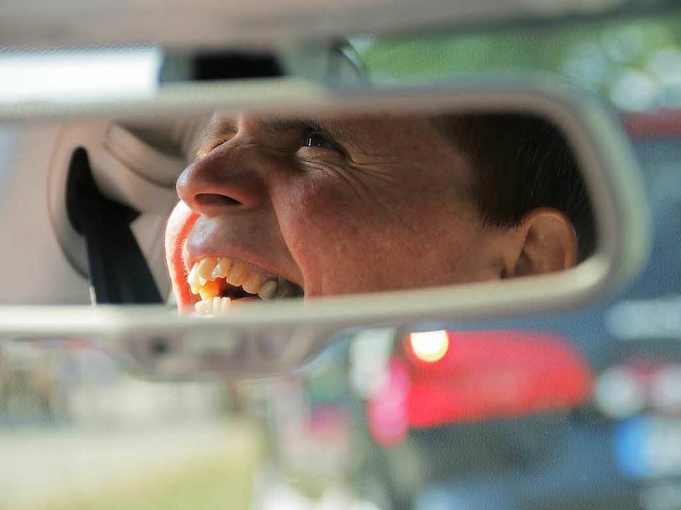 Viktoria Tiselj freut sich sichtlich &...Spaß kann ein Fahrschul-Diesel machen.  | Foto: Konstantin Görlich