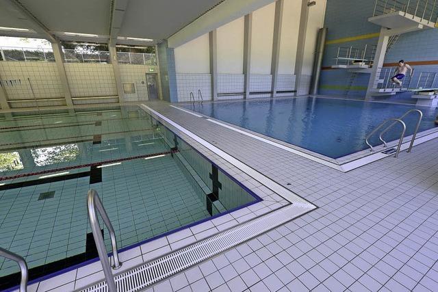 Warum das Wasser im FT-Hallenbad sich grün verfärbt hat