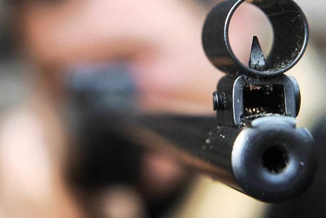 Wer Waffen erbt, muss den Behörden Bescheid sagen