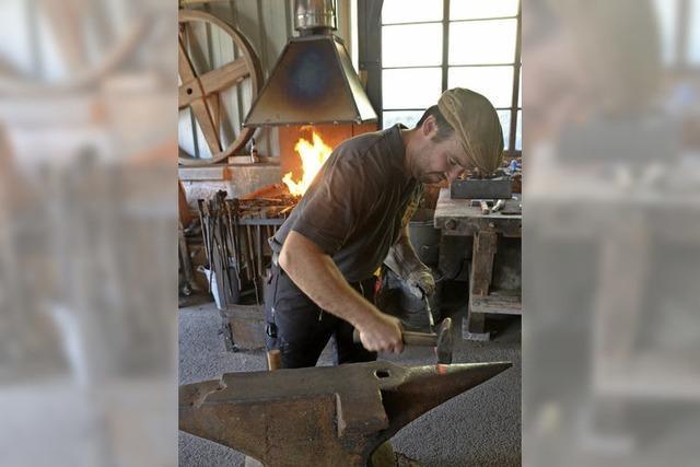 Holzkunst und Schmieden