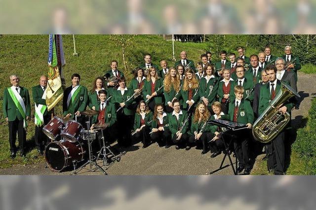 Musikverein Eschbach lädt zum musikalischen Sommerausklang ein auf den Schulhof in Stegen-Eschbach